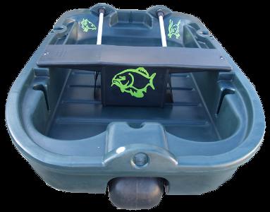 Cette barque de pêche est décorée avec des autocollants poissons de rivière : stickers CARPE sur zlook pêcheur.