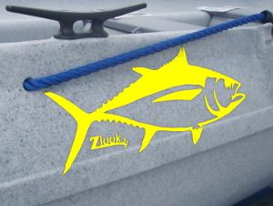 Vente d'adhésif poisson thon posé sur une barque fun yak (zlook partenaire cnaloisirs)